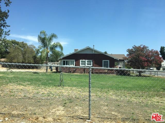 518 Roberts Lane, Bakersfield, CA 93308 (MLS #18384514) :: The John Jay Group - Bennion Deville Homes