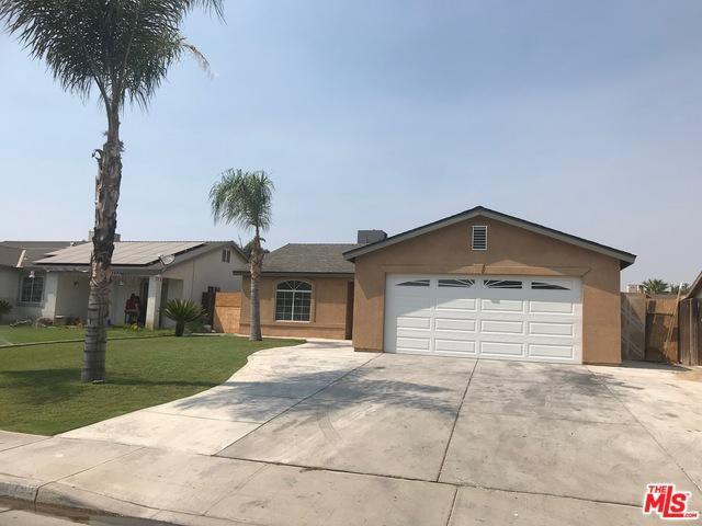 1412 Clipper Hills Drive, Bakersfield, CA 93307 (MLS #18384618) :: The John Jay Group - Bennion Deville Homes