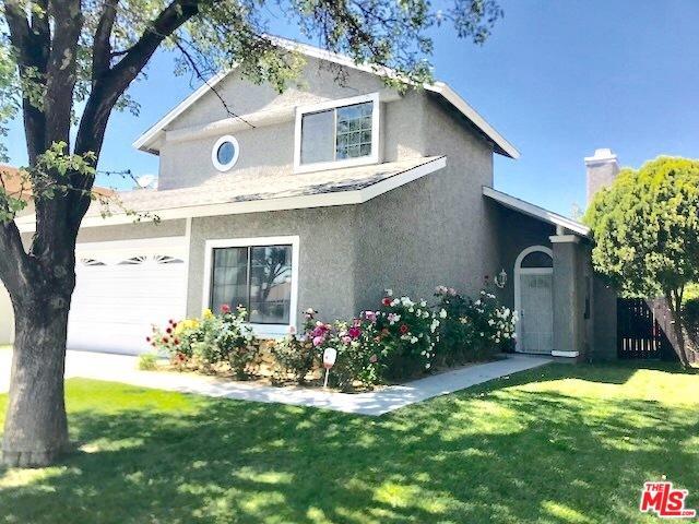 645 E Kettering Street, Lancaster, CA 93535 (MLS #18385378) :: The John Jay Group - Bennion Deville Homes