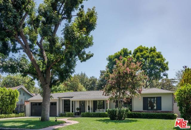 11922 Hesby Street, Valley Village, CA 91607 (MLS #18385694) :: Team Wasserman