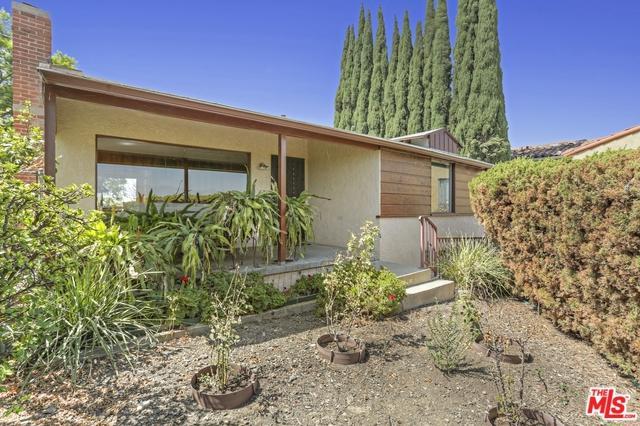 2250 Loveland Drive, Los Angeles (City), CA 90065 (MLS #18386644) :: Team Wasserman