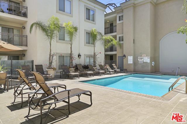141 S Clark Drive #218, West Hollywood, CA 90048 (MLS #18386880) :: Team Wasserman