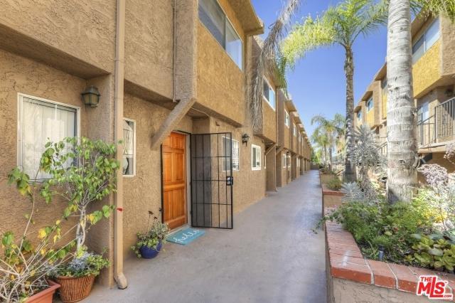 1890 S Cochran Avenue #2, Los Angeles (City), CA 90019 (MLS #18387586) :: Team Wasserman