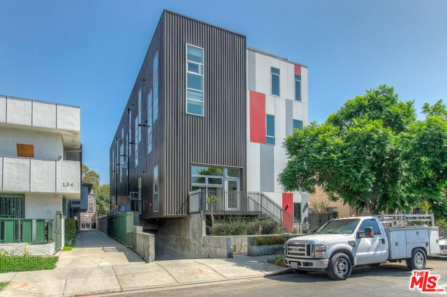 140 S Gramercy Place #1, Los Angeles (City), CA 90004 (MLS #18388522) :: The Jelmberg Team