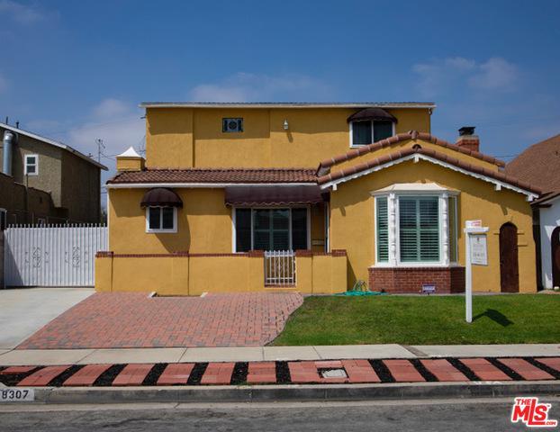 8307 S Van Ness Avenue, Inglewood, CA 90305 (MLS #18388712) :: The John Jay Group - Bennion Deville Homes