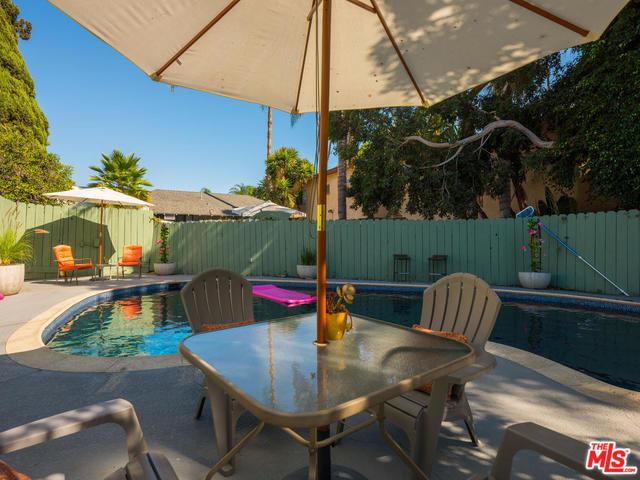1246 N Genesee Avenue, West Hollywood, CA 90046 (MLS #18388774) :: Team Wasserman