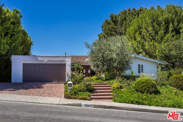 19815 Greenbriar Drive, Tarzana, CA 91356 (MLS #18389128) :: Hacienda Group Inc