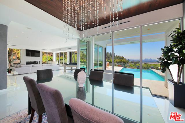 8469 Hillside Avenue, Los Angeles (City), CA 90069 (MLS #18389250) :: The John Jay Group - Bennion Deville Homes