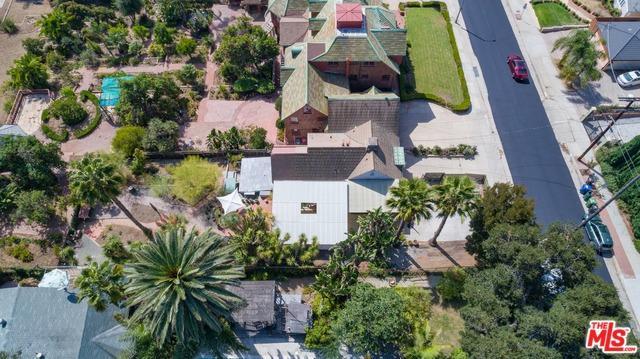 1822 N Vista Street, Los Angeles (City), CA 90046 (MLS #18389292) :: The John Jay Group - Bennion Deville Homes