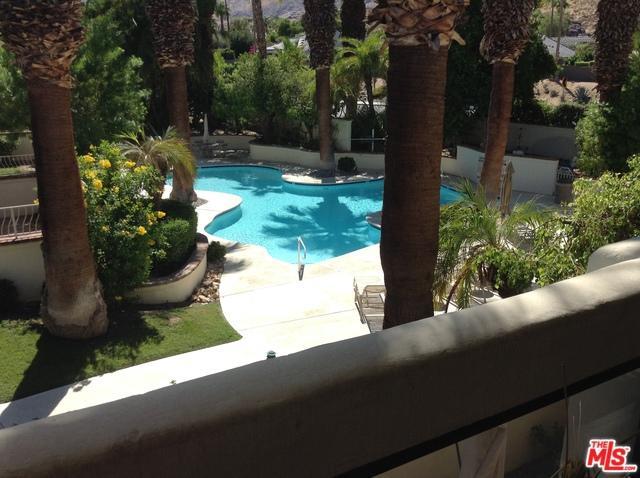 255 E Avenida Granada #322, Palm Springs, CA 92264 (MLS #18390768) :: Deirdre Coit and Associates