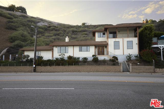21715 Rambla Vista, Malibu, CA 90265 (MLS #18390974) :: The Jelmberg Team