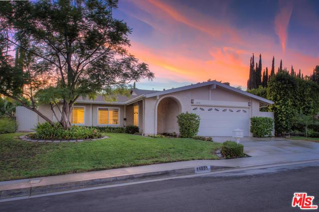 11531 Lyster Avenue, Porter Ranch, CA 91326 (MLS #18391774) :: Hacienda Group Inc