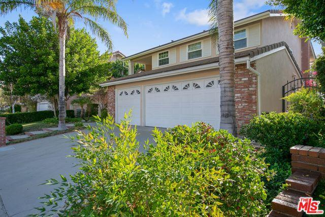 18524 Brymer Street, Northridge, CA 91326 (MLS #18392214) :: Hacienda Group Inc