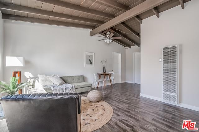 7128 Independence Avenue, Canoga Park, CA 91303 (MLS #18392336) :: Deirdre Coit and Associates