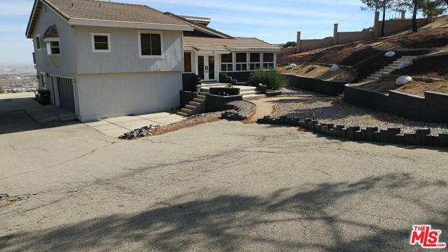 1125 Lakeview Drive, Palmdale, CA 93551 (MLS #18392372) :: Team Wasserman
