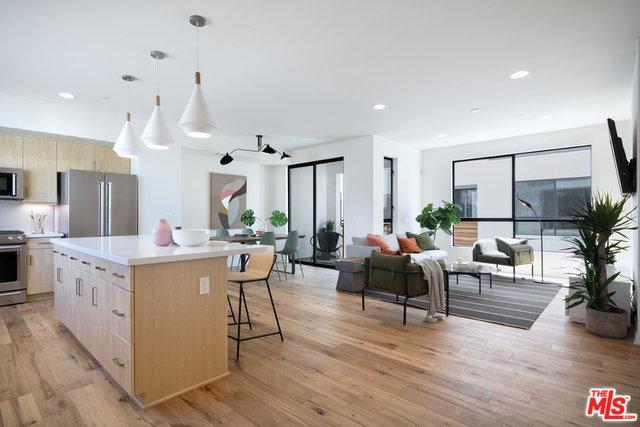 5131 N Cartwright Avenue #2, Los Angeles (City), CA 91601 (MLS #18392600) :: Deirdre Coit and Associates