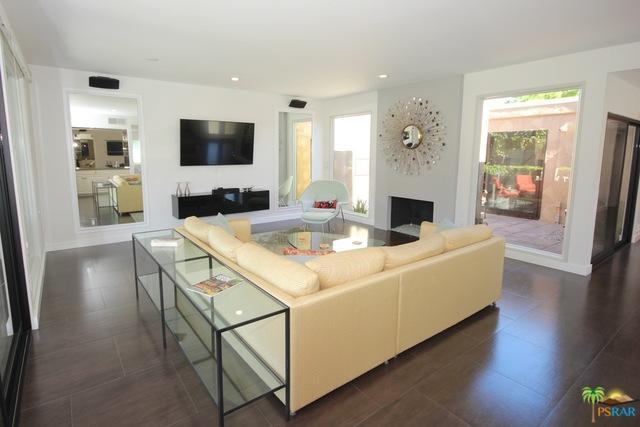 1221 W Oakcrest Drive, Palm Springs, CA 92264 (MLS #18393914PS) :: Brad Schmett Real Estate Group