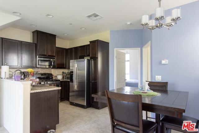 14685-1/2 Sherman Way, Van Nuys, CA 91405 (MLS #18393936) :: Deirdre Coit and Associates