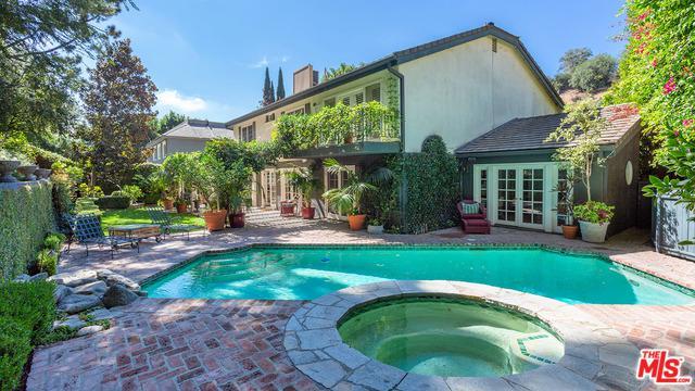 3178 Abington Drive, Beverly Hills, CA 90210 (MLS #18394274) :: Team Wasserman
