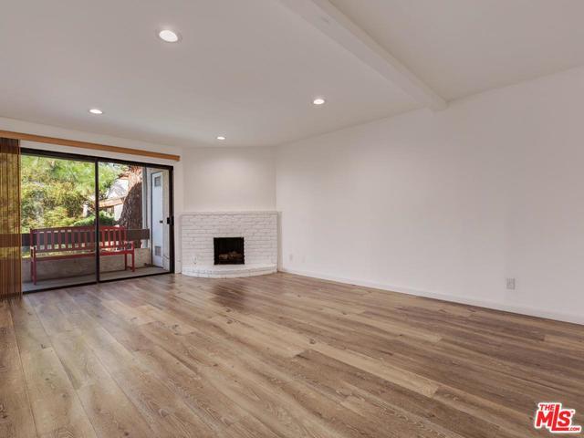 15155 Sherman Way #34, Van Nuys, CA 91405 (MLS #18394440) :: Deirdre Coit and Associates