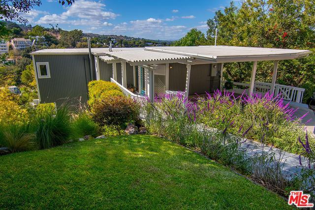 3843 Sunswept Drive, Studio City, CA 91604 (MLS #18396040) :: Hacienda Group Inc