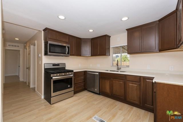 32605 Chiricahua Drive, Thousand Palms, CA 92276 (MLS #18396152PS) :: Brad Schmett Real Estate Group