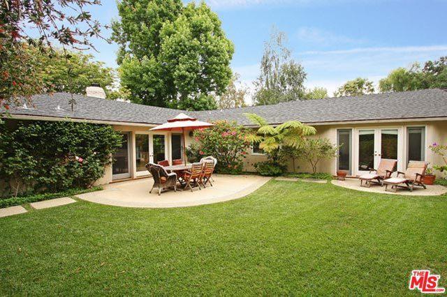1075 Angelo Drive, Beverly Hills, CA 90210 (MLS #18396886) :: Team Wasserman