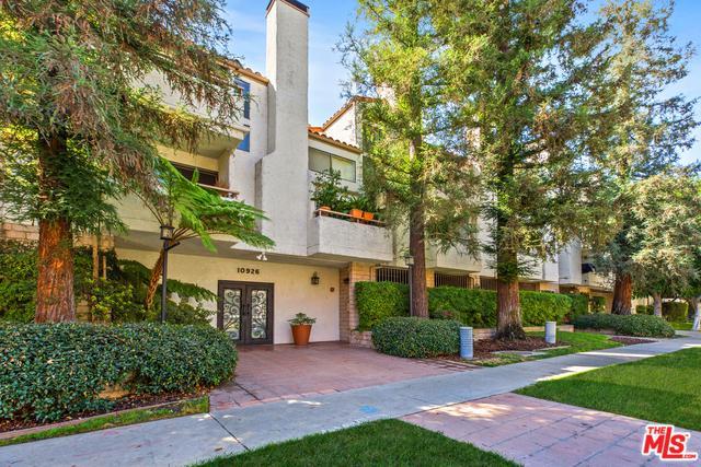 10926 Bluffside Drive #33, Studio City, CA 91604 (MLS #18396896) :: Hacienda Group Inc