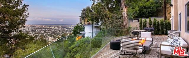 8530 Franklin Avenue, Los Angeles (City), CA 90069 (MLS #18397356) :: Hacienda Group Inc