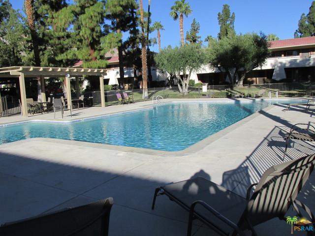 575 N Villa Court #100, Palm Springs, CA 92262 (MLS #18398738PS) :: Brad Schmett Real Estate Group