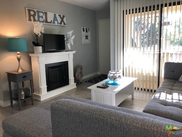 2820 N Arcadia Court B203, Palm Springs, CA 92262 (MLS #18398748PS) :: Brad Schmett Real Estate Group