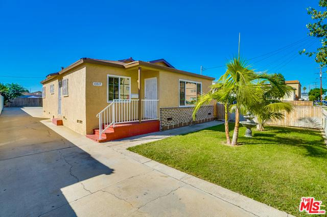 13317 Doty Avenue, Hawthorne, CA 90250 (MLS #18399108) :: The Jelmberg Team