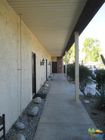3737 E Calle De Carlos, Palm Springs, CA 92264 (MLS #18399246PS) :: The John Jay Group - Bennion Deville Homes