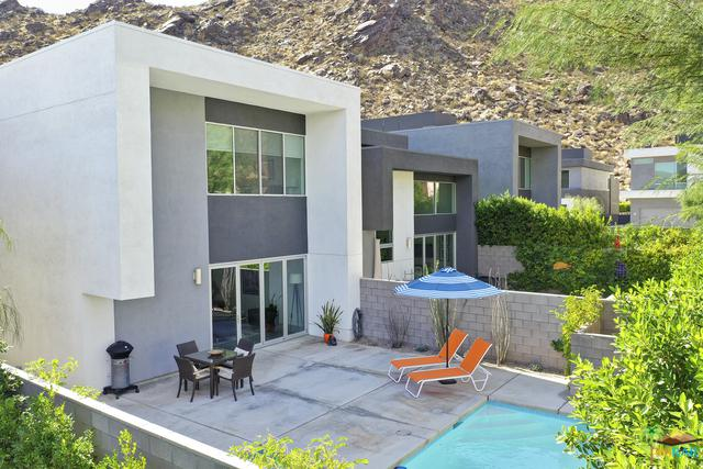332 Goleta Way, Palm Springs, CA 92264 (MLS #18400300PS) :: The Sandi Phillips Team