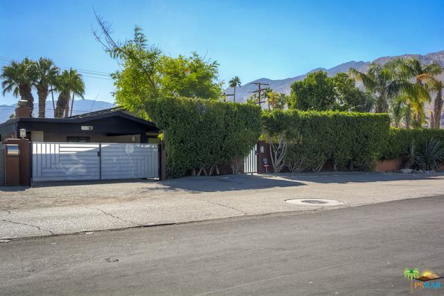 1265 E Tachevah Drive, Palm Springs, CA 92262 (MLS #18401622PS) :: Brad Schmett Real Estate Group