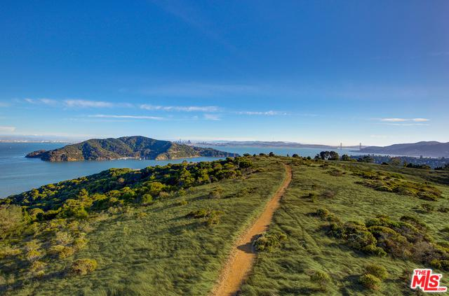624 Ridge Rd, Tiburon, CA 94920 (MLS #18401882) :: The Jelmberg Team