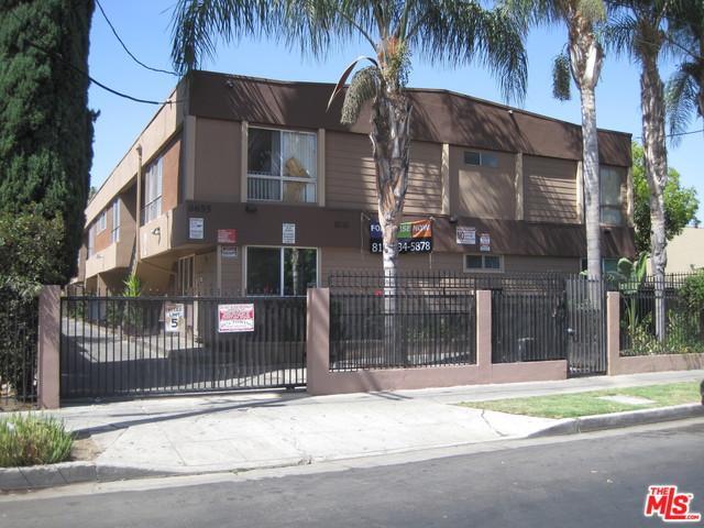 6655 Etiwanda Avenue, Reseda, CA 91335 (MLS #18402468) :: The Jelmberg Team