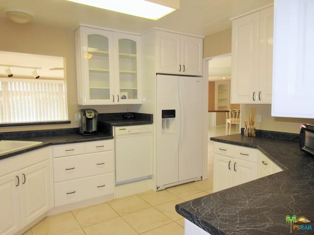 39681 Desert Greens Drive, Palm Desert, CA 92260 (MLS #18405562PS) :: Brad Schmett Real Estate Group