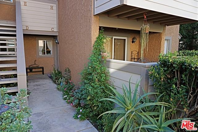 4577 Alamo Street C, Simi Valley, CA 93063 (MLS #18405626) :: The Jelmberg Team