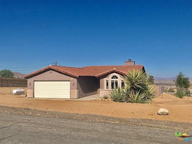 61776 Navajo, Joshua Tree, CA 92252 (MLS #18405724PS) :: Brad Schmett Real Estate Group
