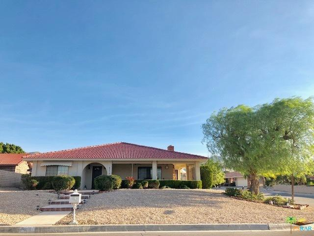 9270 Warwick Drive, Desert Hot Springs, CA 92240 (MLS #18406532PS) :: Team Wasserman