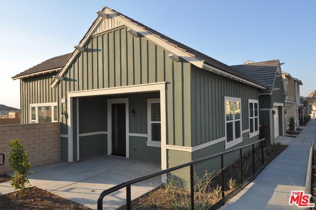 25107 Grapefruit Lane, Canyon Country, CA 91387 (MLS #18406636) :: Deirdre Coit and Associates