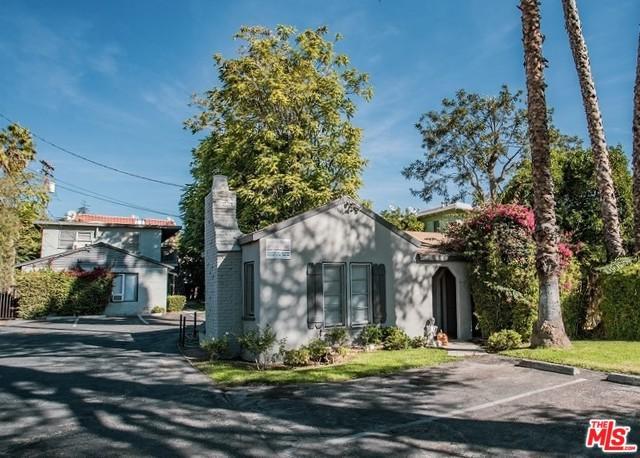 1443 E Maple Street, Glendale, CA 91205 (MLS #18407548) :: The Jelmberg Team