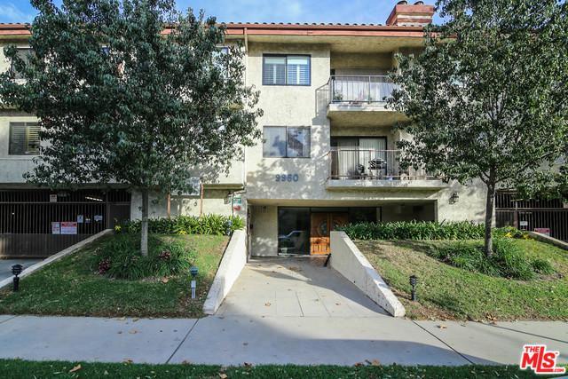 9960 Owensmouth Avenue #20, Chatsworth, CA 91311 (MLS #18408324) :: The Jelmberg Team
