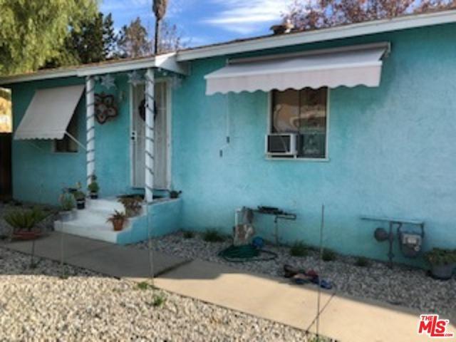 6928 Calhoun Avenue A, Van Nuys, CA 91405 (MLS #18408392) :: The John Jay Group - Bennion Deville Homes