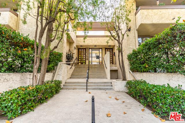 12358 Moorpark Street #10, Studio City, CA 91604 (MLS #18408414) :: The Jelmberg Team