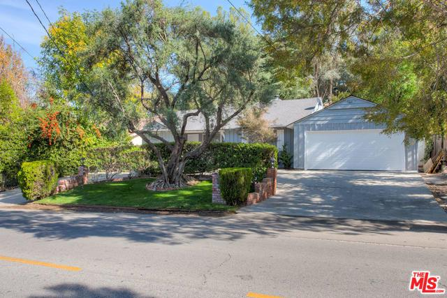 5244 Vanalden Avenue, Tarzana, CA 91356 (MLS #18408480) :: The Jelmberg Team