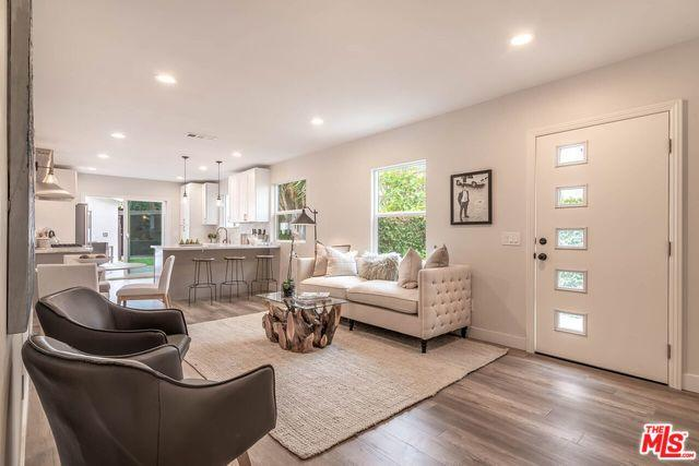 3785 Boise Avenue, Los Angeles (City), CA 90066 (MLS #18408668) :: Team Wasserman