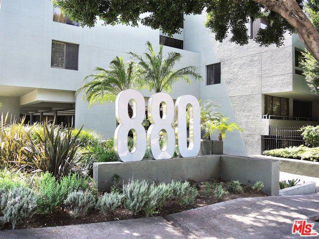 880 W 1st Street #522, Los Angeles (City), CA 90012 (MLS #18409076) :: The Jelmberg Team