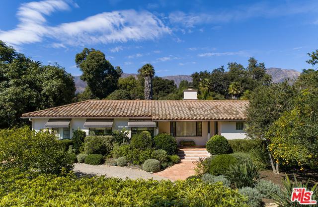 1544 San Leandro Lane, Montecito, CA 93108 (MLS #18409454) :: The Jelmberg Team